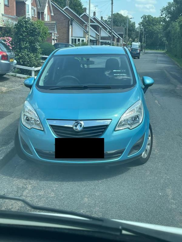 Abandoned vehicle. been here for a week. No tax on it. Police don't want to know. Outside an elderly couple who want it removed.-73 Newhaven Road, Leicester, LE5 6JH
