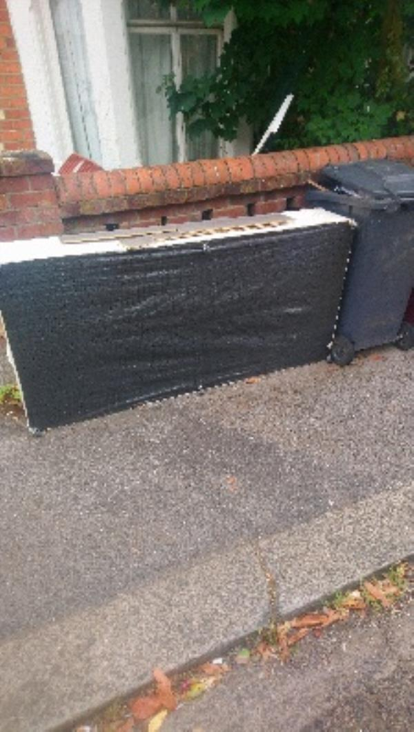 Fly tipping not cleared tipper full -4 Bishop's Road, Reading, RG6 1NP