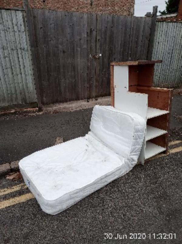 Mattress and furniture on the road. Please clear. -2a Amity Rd, Reading RG1 3NY, UK