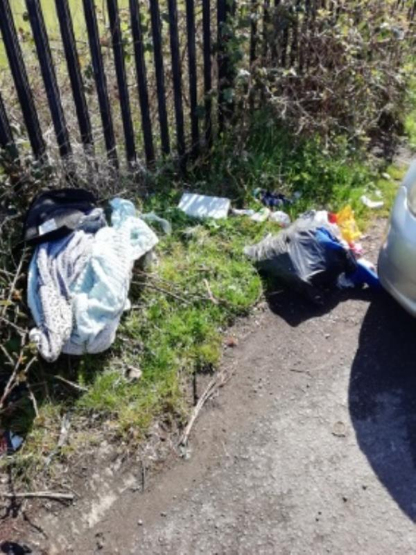 Rubbish dumped in Scours Lane, towards the river-1 Riverside Park Scours Lane, Reading, RG30 6AX