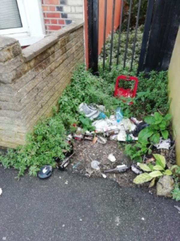 fly tipping-97 Curzon Street, Reading, RG30 1DA