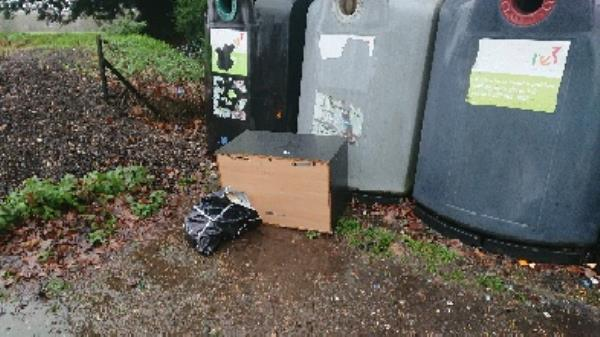 House old waste removed. Flytipping -82 Bath Road, Reading, RG30 2BE