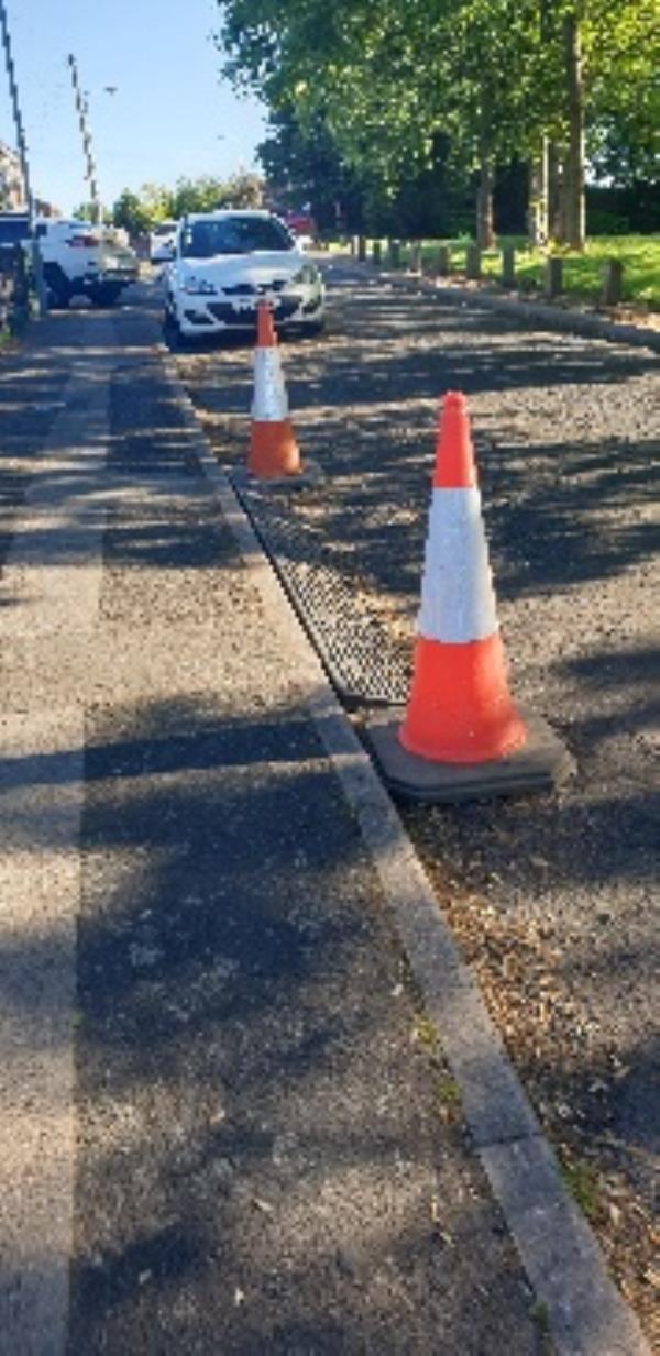road hazard-51 Dunstall Hill, Wolverhampton, WV6 0SR