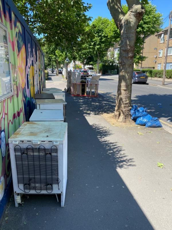 6 fridges, 4 beds. -47 Sprowston Road, London, E7 9AD