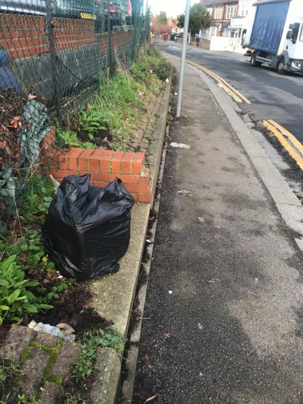 Fly tipping -31 Saint Peter's Road, Reading, RG6 1NT