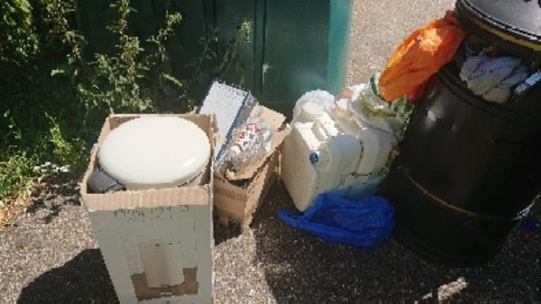 House old waste removedl fly tipping -174 Corwen Road, Reading, RG31 5AS
