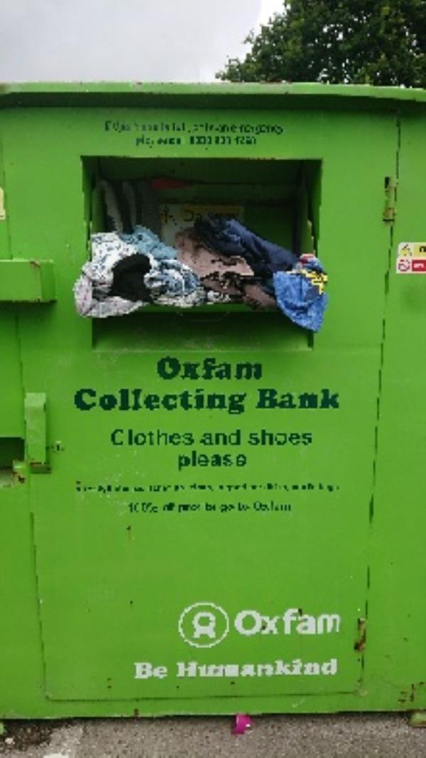 Clothing bank needs to be emptied. Shoe bank book bank needs to be emptied -28 Northbrook Road, Reading, RG4 6PF