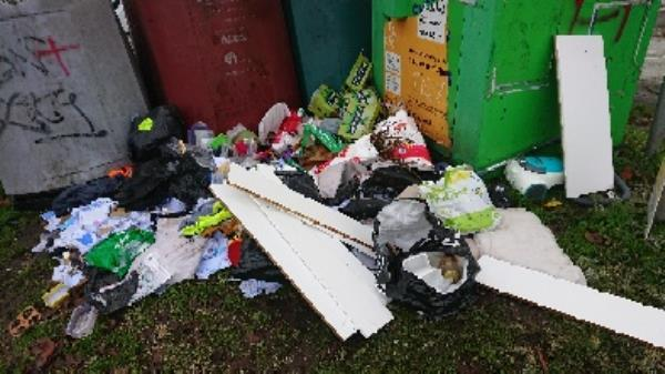 House old waste removed fly tipping has been investigated. wooden kitchen units added also been removed. -94 Cranbury Rd, Reading RG30 2TA, UK