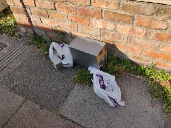 someone has dumped an old stereo outside my house.   14 Shaftesbury avenue.-14 Shaftesbury Avenue, Leicester, LE4 5DQ
