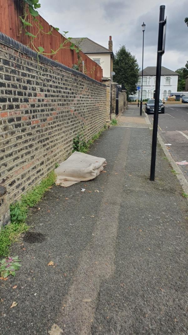 Carpet. Reported several times.-59 Osborne Rd, London E7 0PJ, UK