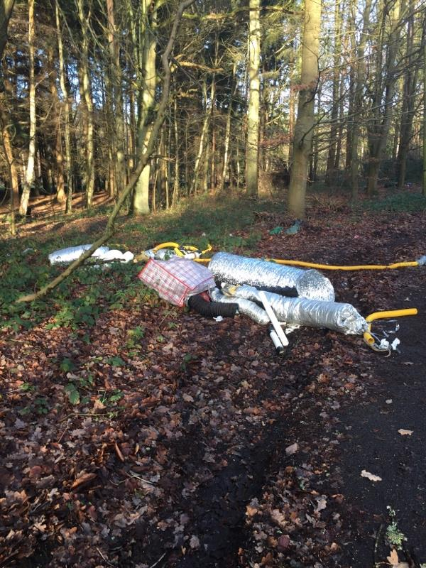 Fly tipping -31 Vine Close, Aldershot, GU11 2HG