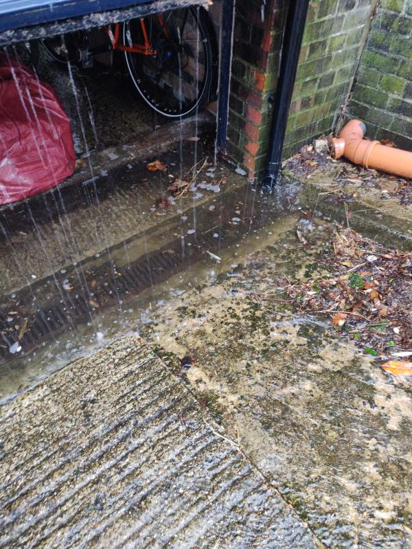There are numerous blocked drains at the bottom of Shepherds Close which has meant garages have flooded ruining several personal items.-18 Shepherd's Close, London, N6 5AG