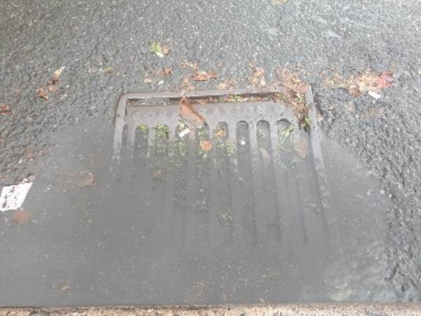 As previously  reported and still remains unmaintained?-1 Griffin St, Wolverhampton WV1 2HH, UK