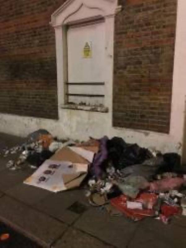 Please clear flytip-25 Springrice Road, London, SE13 6HR