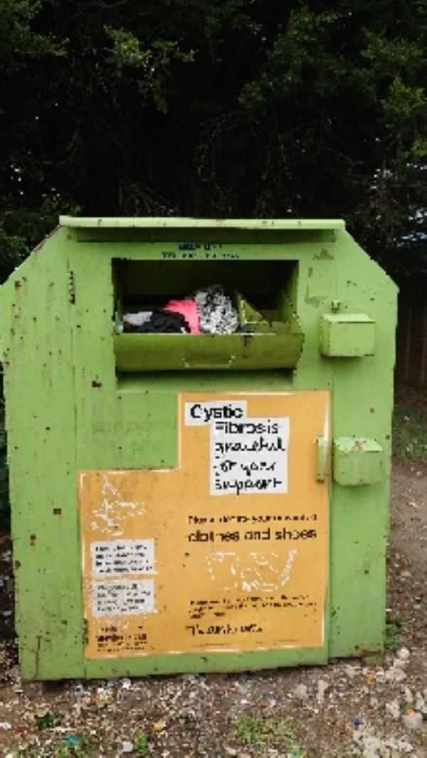 Clothing bank needs to be emptied -54 Liebenrood Road, Reading, RG30 2ND