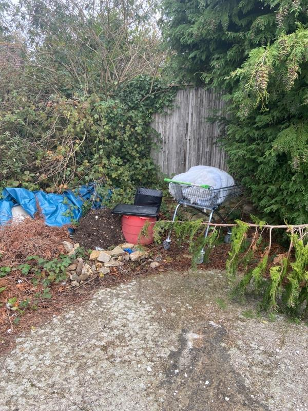 Fly tipping housing land -11 Wye Close, Reading, RG30 4HS