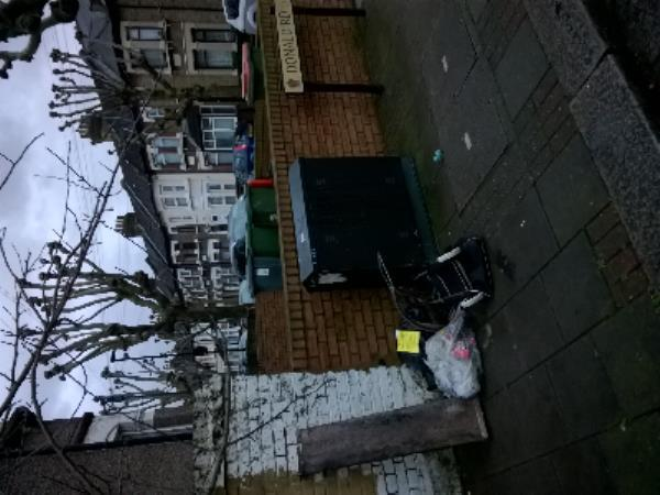 wood, clothes, trolly-41 Donald Road, London, E13 0QF