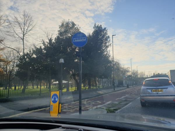 bus gate sign facing wrong way-Uxbridge Road, London, UB1 3DN