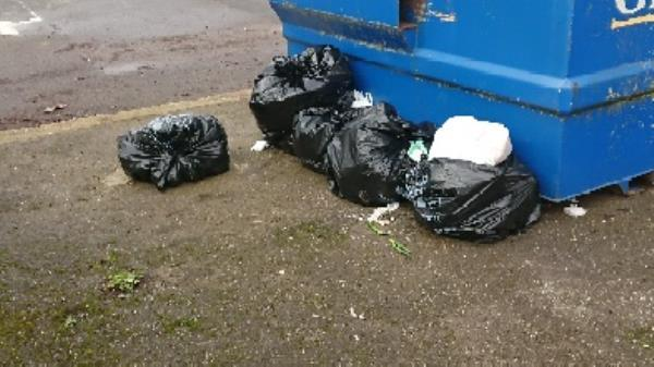 House old waste removed fly tipping on going at this site -2 Bridge Street, Reading, RG4 8AA