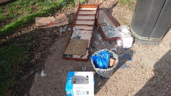 House old waste removedl fly tipping on going at this site large amount removedl-500 Basingstoke Road, Reading, RG2 0QN