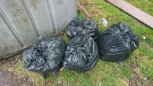 House old waste removed fly tipping on going at this site -515 Basingstoke Road, Reading, RG2 0SH