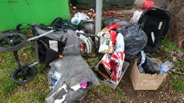 House old waste removed fly tipping on going at this site -94 Cranbury Rd, Reading RG30 2TA, UK