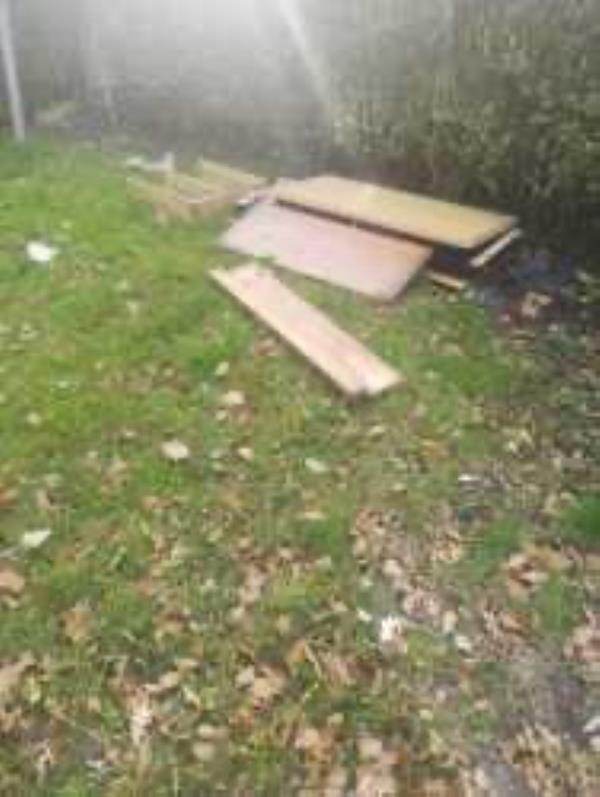 Please clear flytip-48a Ilfracombe Road, Bromley, BR1 5HB