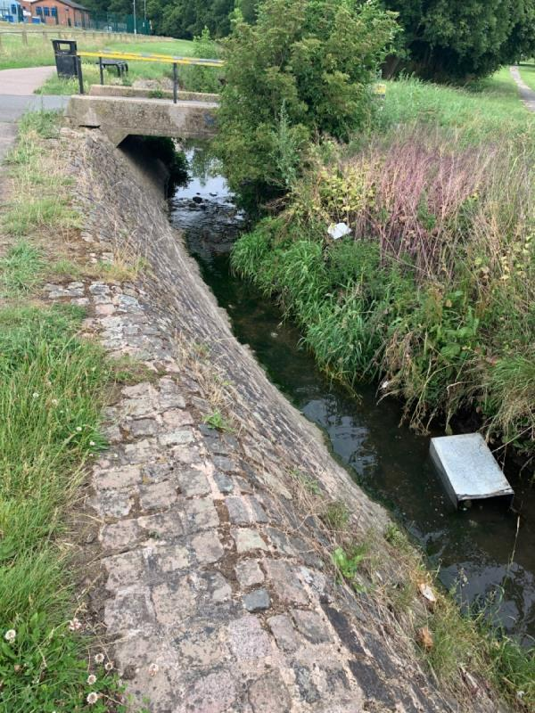Bin sleeve in the stream-33 Cort Crescent, Leicester, LE3 1QZ