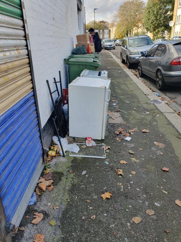 fridge-36 Chargeable Lane, London, E13 8DW