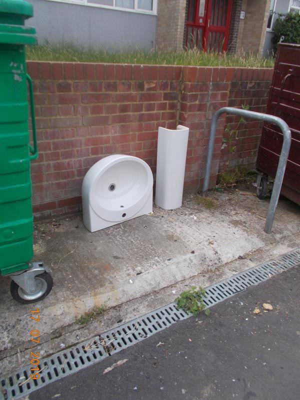Abandoned WHB and pedestal in the bin storage area out the front of this block-126 Windermere Road, Reading, RG2 7HS