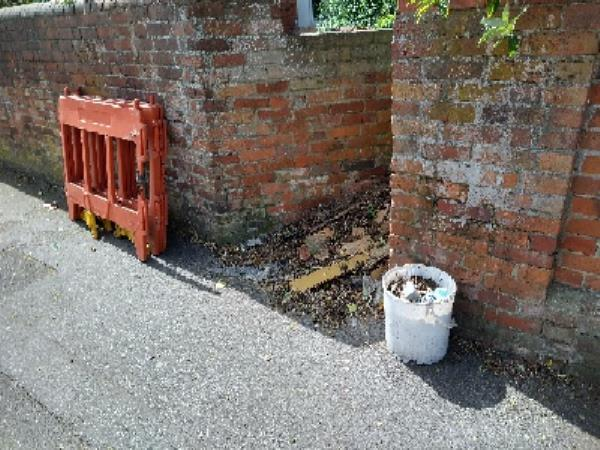 barriers and bucket dumped-8 Liverpool Road, Reading, RG1 3PG