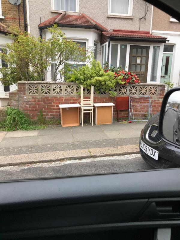 Mobile 9 job outside no.49 Killearn Road -16 Sandhurst Road, London, SE6 1UP