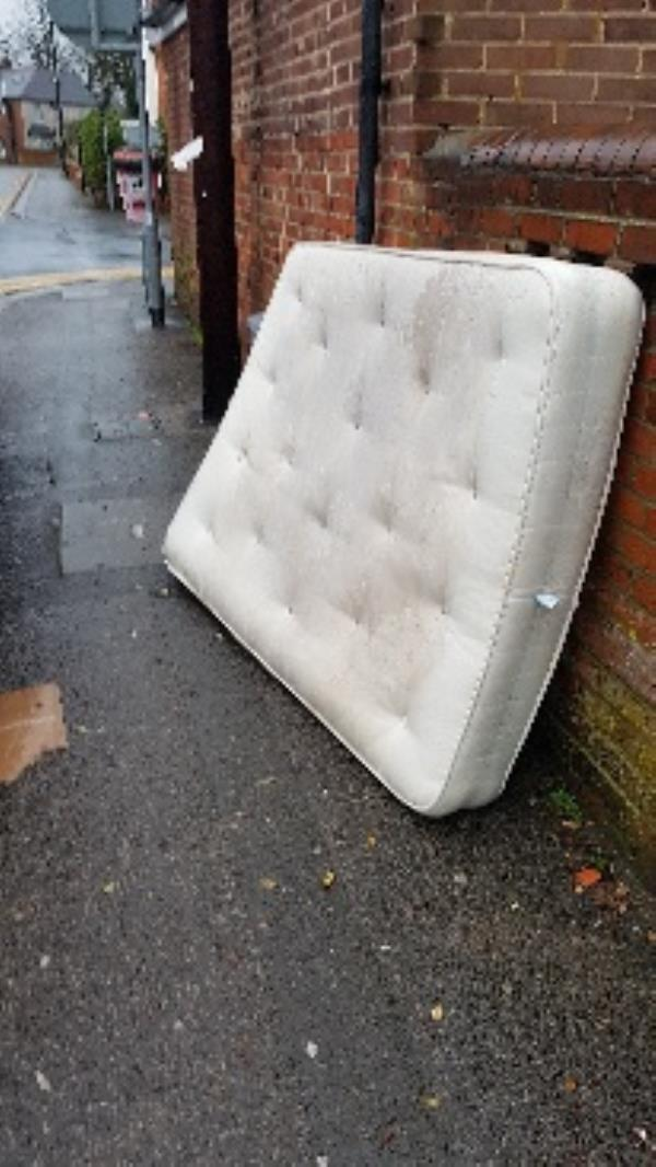 fly tipping -40 Liverpool Road, Reading, RG1 3PQ