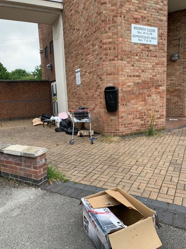 Flytipping -40 Redpath Close, Leicester, LE4 6DZ
