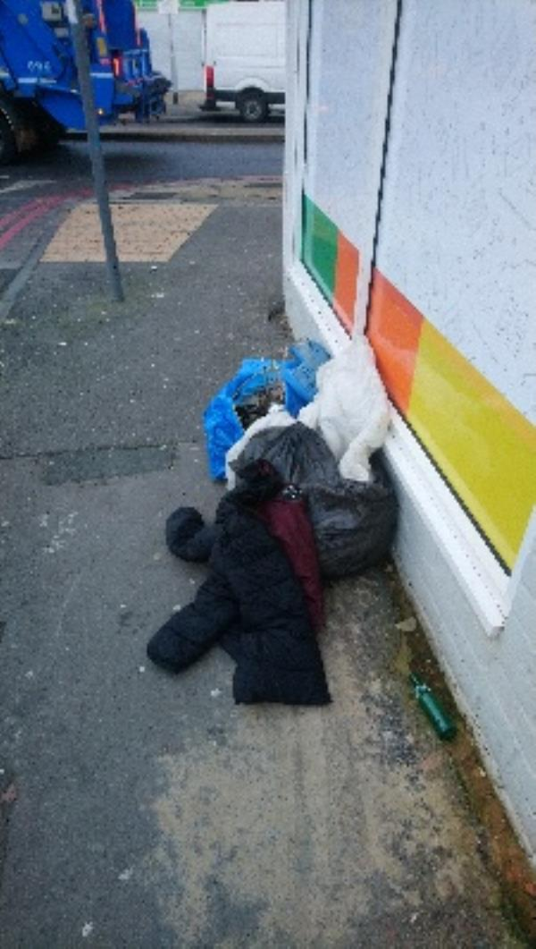Rubbish corner of Connaught Road and Oxford Road -1a Connaught Road, Reading, RG30 1AY