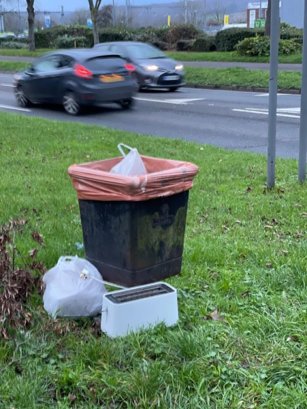 Waste electrical items fly-tipped-853 Oxford Road, Reading, RG30 6TR