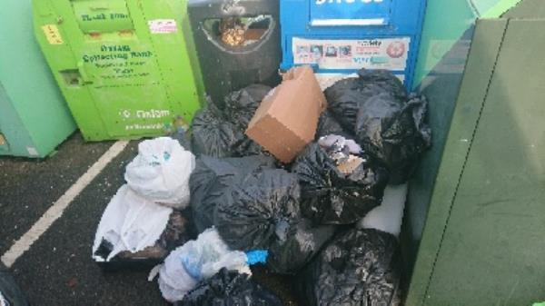 House old waste removed fly tipping -28 Northbrook Road, Reading, RG4 6PF
