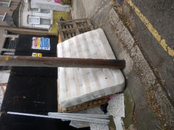 mattress and pallets-122 Park Avenue, East Ham, E6 2SR