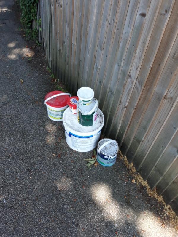 paint pots-105 Lawrie Park Gardens, London, SE26 6HP
