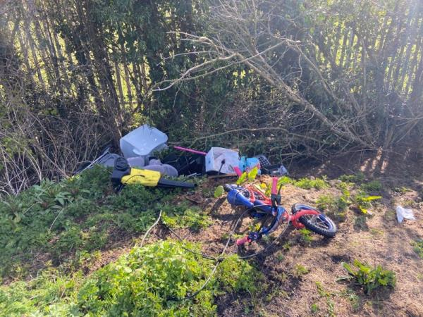 Fly tip Thurcaston rd-19 Ashton Close, Leicester, LE4 2BQ