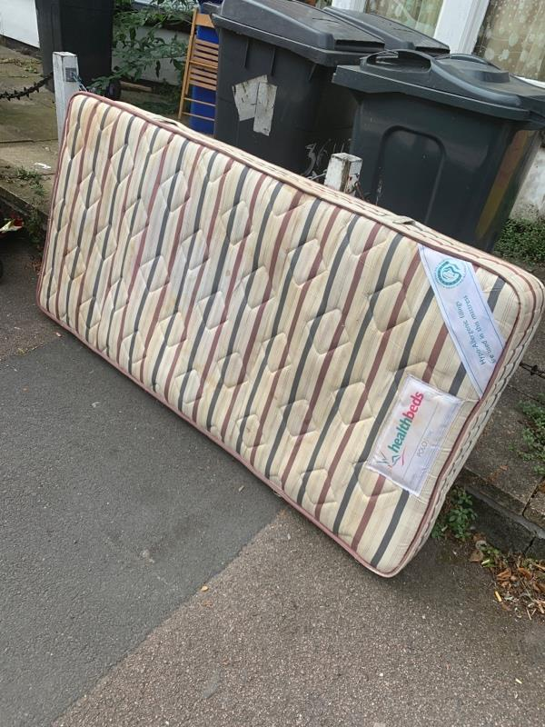 Fly tipping -38 Westleigh Rd, Leicester LE3 0HH, UK