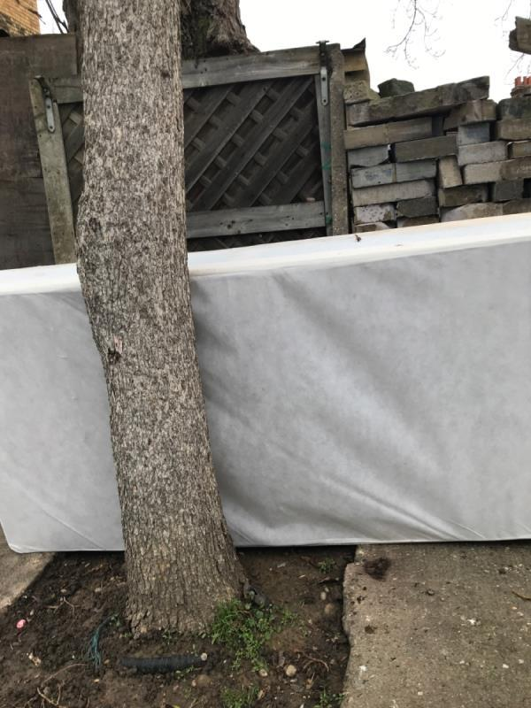MAttress and bed base -120 Holland Road, East Ham, E6 2EP