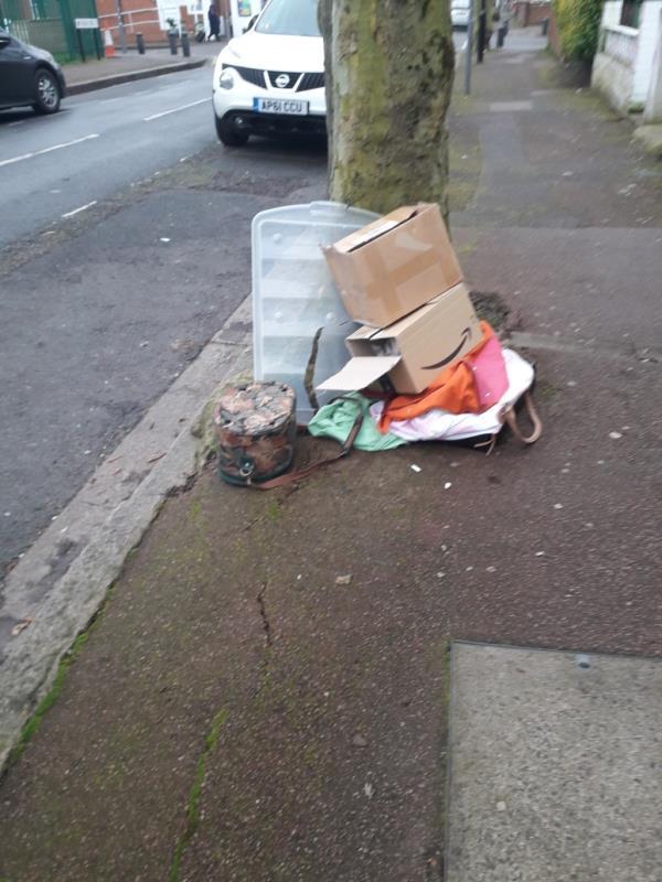 boxes, bags-77 Essex Road, London, E12 6QR