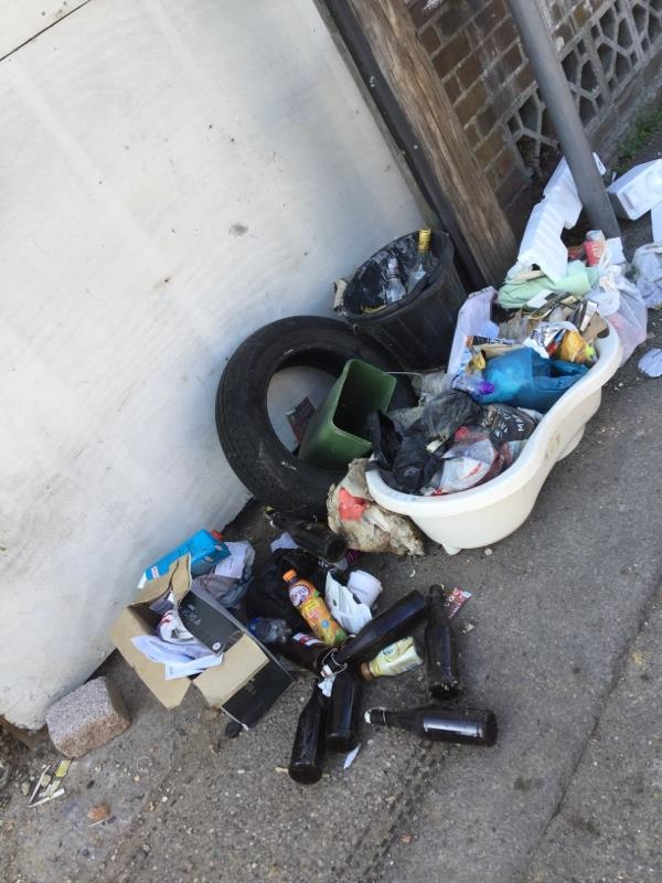 flytipping on pavement outside 1 Salisbury Road. Please sort this it's been here for 3 weeks...(-5 Salisbury Road, Reading, RG30 1BH