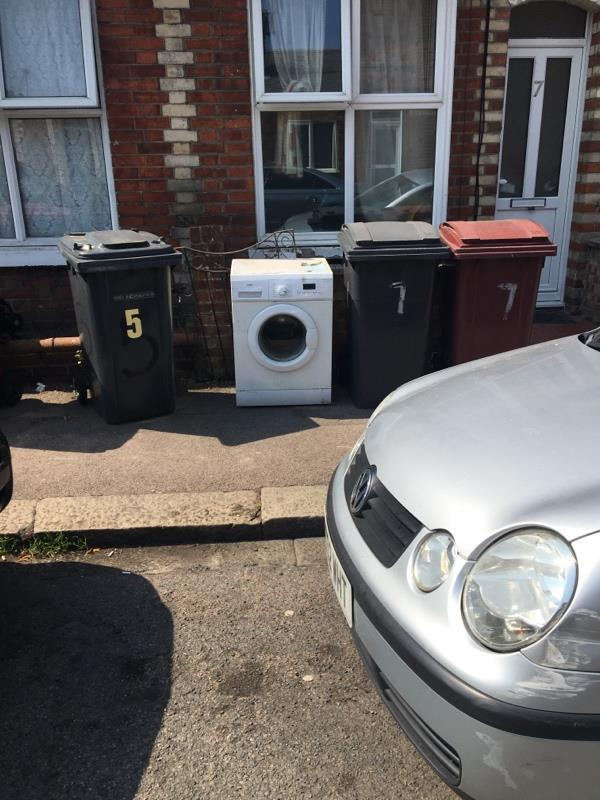 Been dumped outside since they had their new washing machine delivered-1 Regent Street, Reading, RG1 3NN