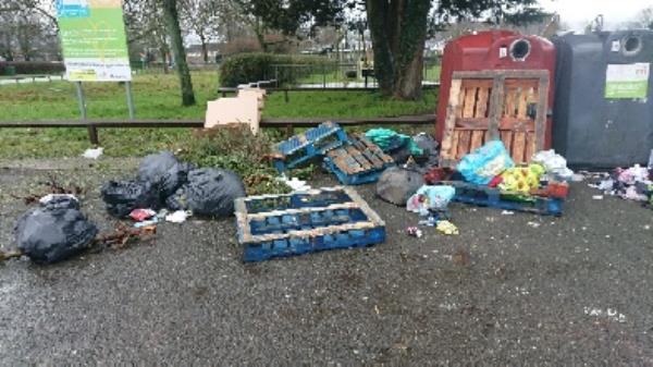 House old waste removed builders waste removedl pallets flytipping very large amount removed-85 Church End Ln, Tilehurst, Reading RG30 4UW, UK