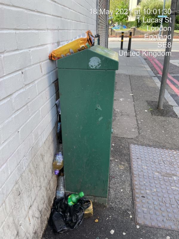 Litter constantly wedged in here. Please remove when street is cleaned-199-201 Lewisham Way, Honor Oak Park, SE4 1UY