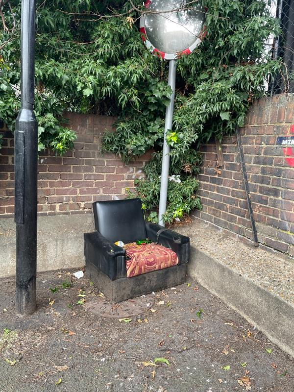 Dumped sofa in alleyway between park road and east road. This is accessed near Portway school. Can be removed by one person. -47a Park Road, London, E15 3QP