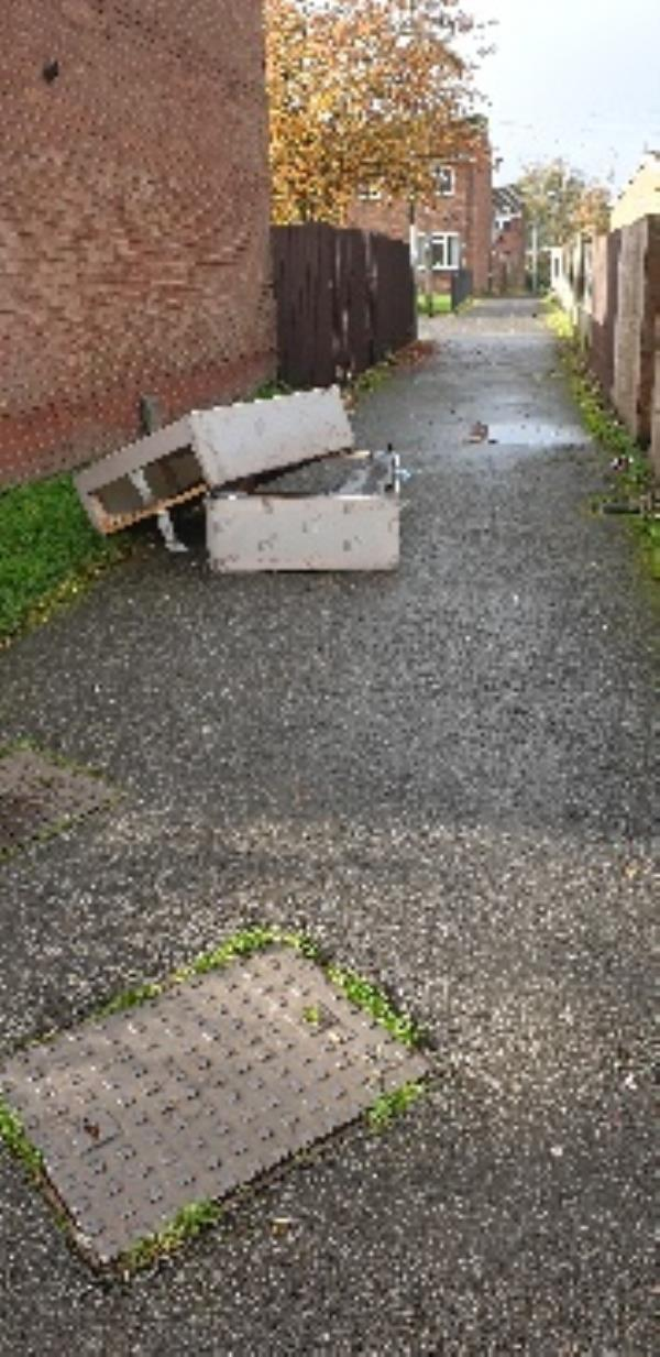 bed flytipped on path-114 Glentworth Gardens, Wolverhampton, WV6 0SQ