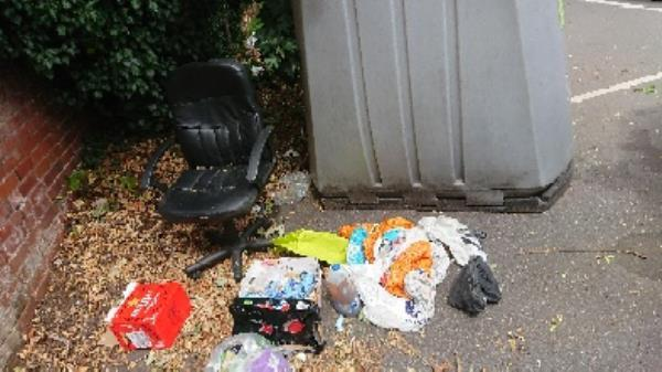 House old waste removedl fly tipping -Belgravia Court, Bath Rd, Reading RG30 2BL, UK